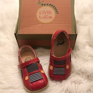 Livie & Luca red auto shoes size 9